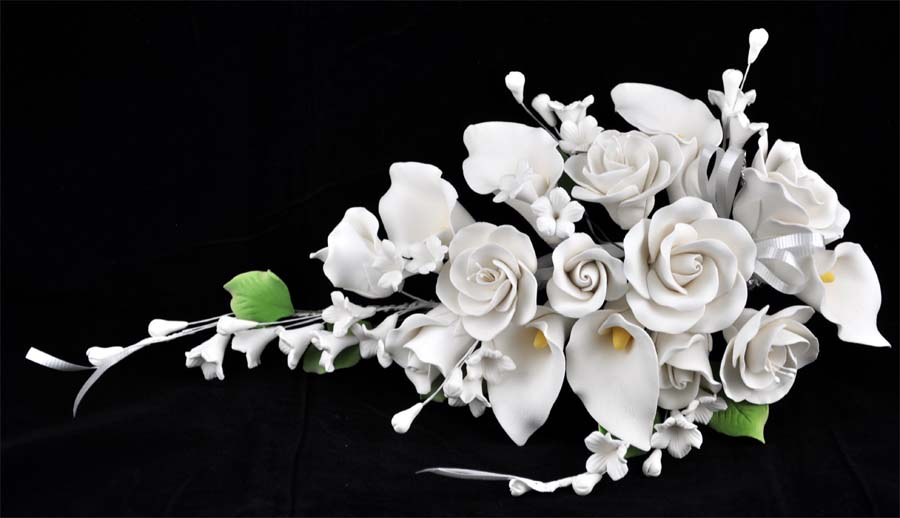 Large Tea Rose and Calla Lily Combo Spray white 15 x 24cm