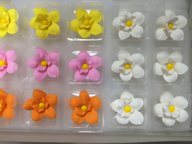 Petite Orchid assorted 3cm: White, Pink, Orange and Yellow